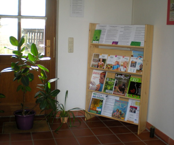 Bild der Informationsbroschüren zum Thema Naturheilpraktik die in der Praxis ausliegen.